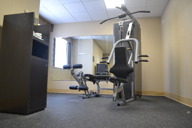 Fitness Room 14 of 21