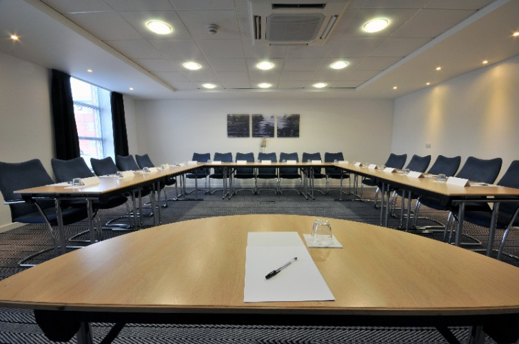 9 Meeting Rooms 8 of 16