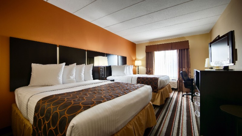 Enjoy The Comfort Of Our Rooms With Two Queen Beds. 3 of 9