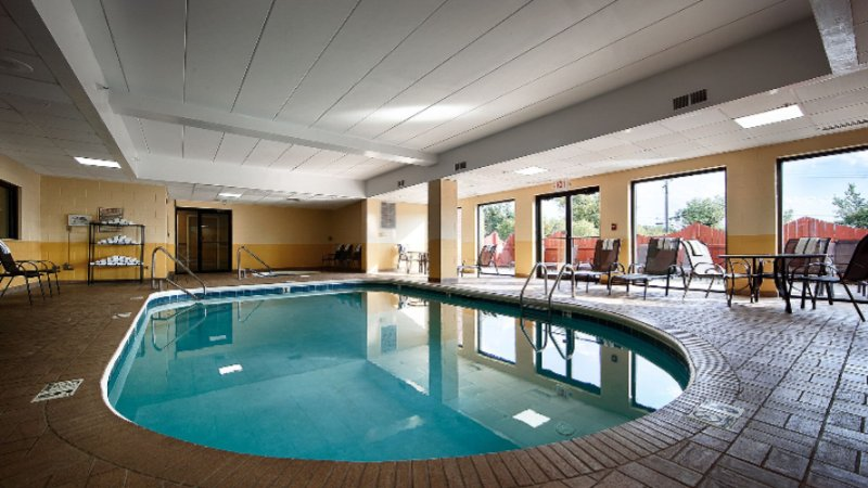 Don\'t Let The Weather Stop You From Jumping In! Our Indoor Pool Is Heated Year Round For You And Your Friends 5 of 9