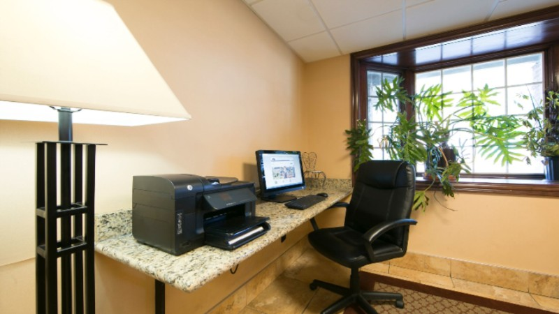 Our Business Center Is Available To Help You Prepare Travel Itineraries Send Emails Or Browse The Web 9 of 9