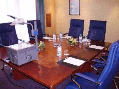 Boardroom Le Dauphin From 2 To 6 Persons 8 of 12