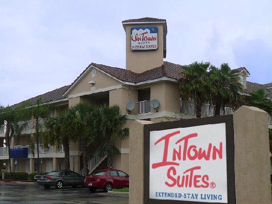 Intown Suites Houston Hwy 6 1 of 3