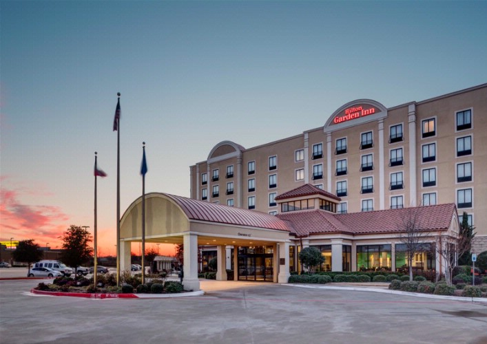 Hilton Garden Inn Dallas / Lewisville 1 of 10