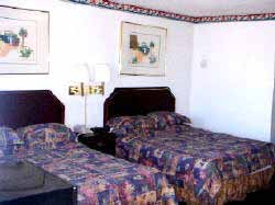 Standard Room With 2 Double Beds 3 of 9