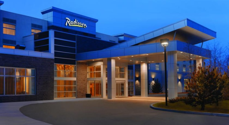 Radisson Hotel & Conference Centre Calgary Airport 1 of 11