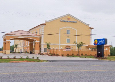 Comfort Inn & Suites 1 of 4
