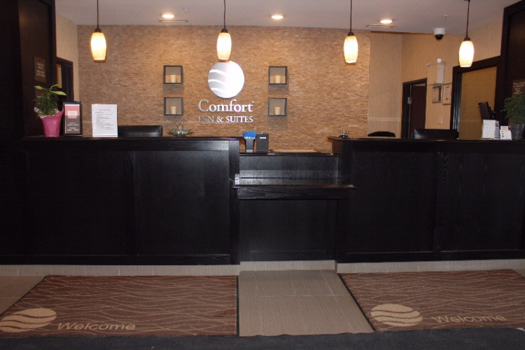 Front Desk Area 3 of 16