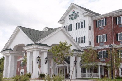 Country Inn & Suites Manchester Airport 1 of 26