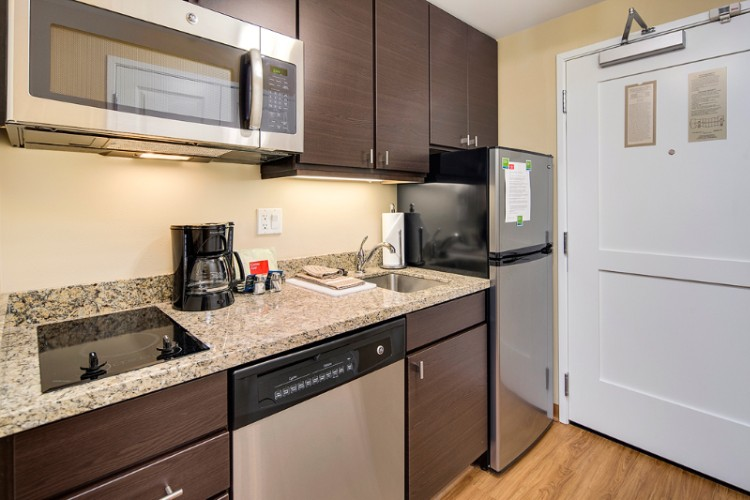Fully Equipped Kitchens In All Rooms 3 of 10