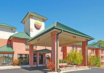 Comfort Inn Lenoir City 1 of 7