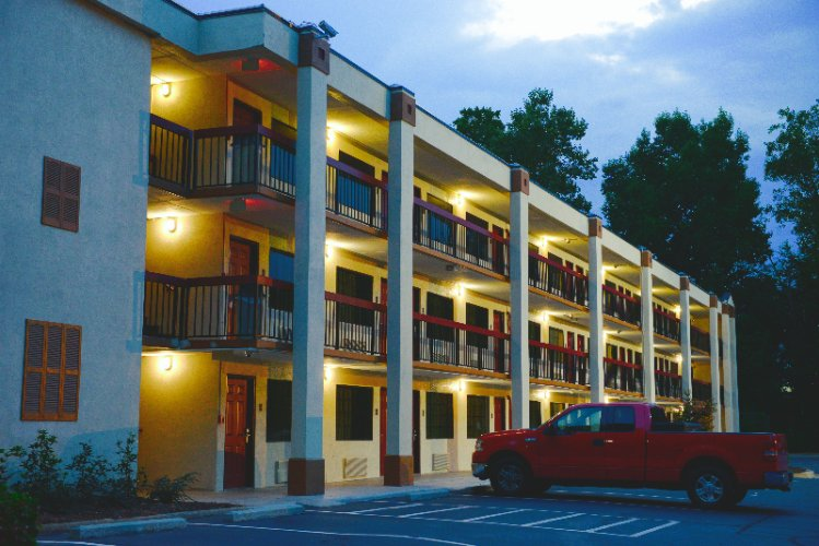 Red Roof Inn & Suites Commerce – Athens 1 of 11