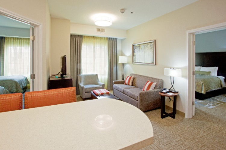Staybridge Suites Washington DC Lanham / Greenbelt 1 of 7