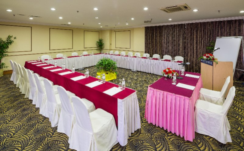 Function Room 25 of 31