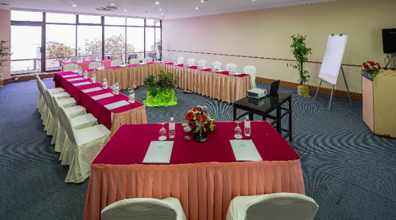 Function Room 26 of 31