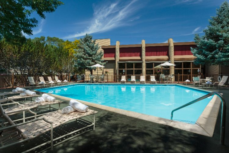Outdoor Pool 12 of 14