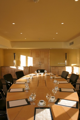 Meeting Room 7 of 27