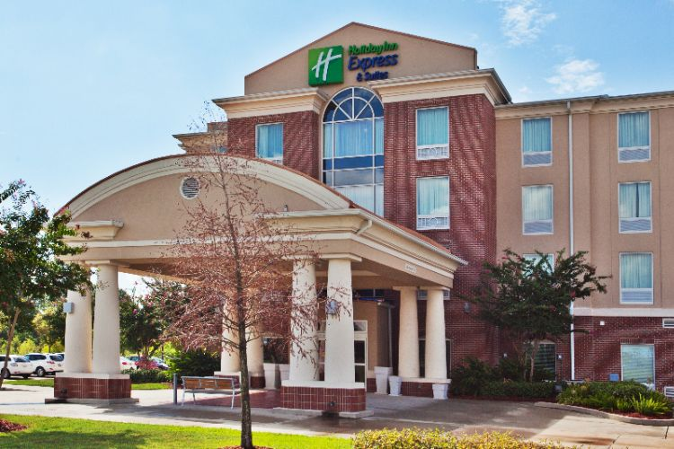 Holiday Inn Express & Suites Baton Rouge East 1 of 7