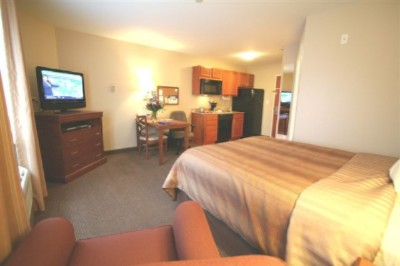 Candlewood Suites Indianapolis Airport 1 of 10