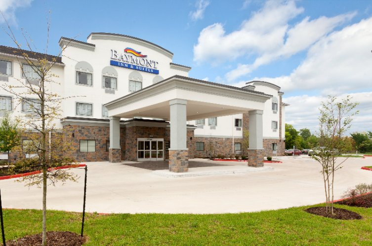 Baymont Inn & Suites College Station 1 of 12