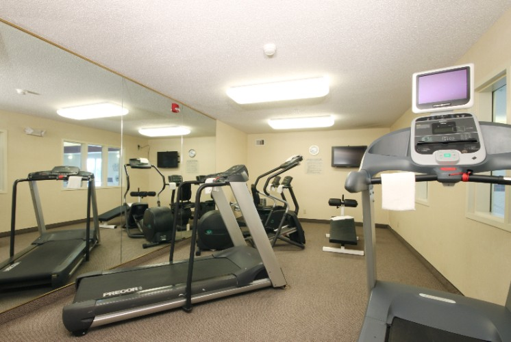 Fitness Center 16 of 22