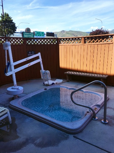 Outdoor Hot Tub With Lift 16 of 19