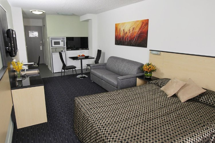 Superior Studio Apartment -Double 3 of 13