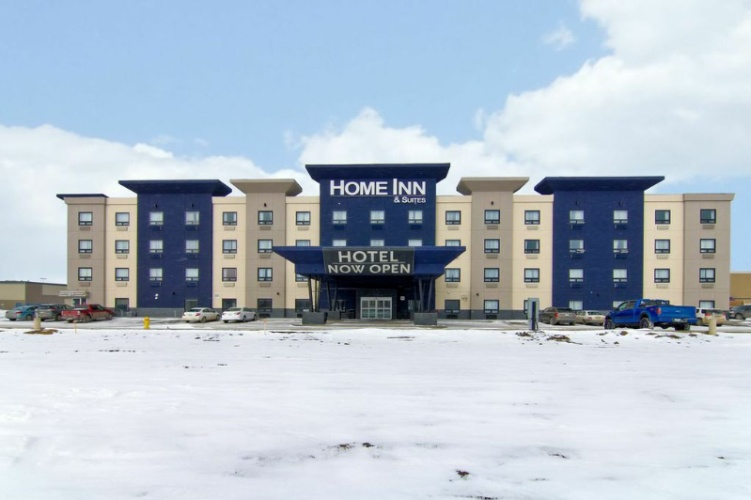 Home Inn & Suites Regina West 1 of 6