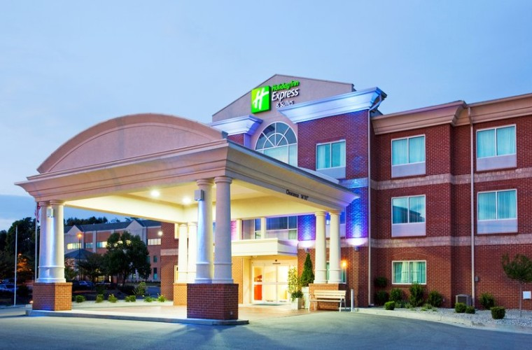 Holiday Inn Express Hotel & Suites Cincinnati Se Newport 1 of 8