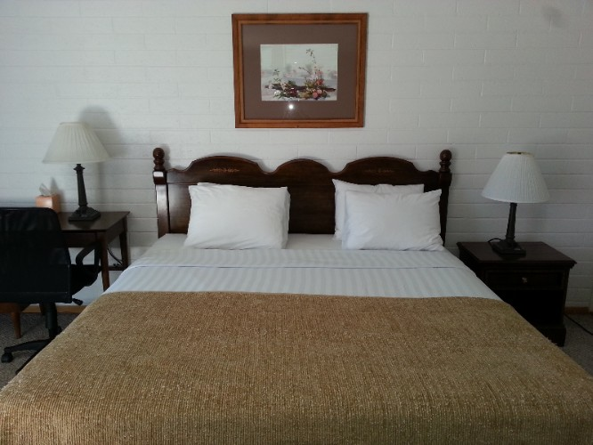 Standard Room With 1 King Bed 3 of 4