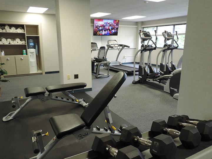 Fitness Room 15 of 18