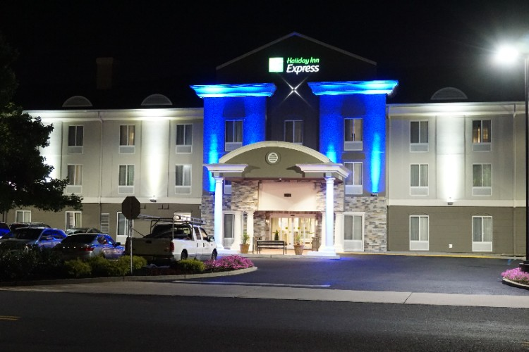 Holiday Inn Express & Suites Mount Laurel