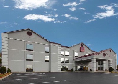 Comfort Inn & Suites 1 of 8