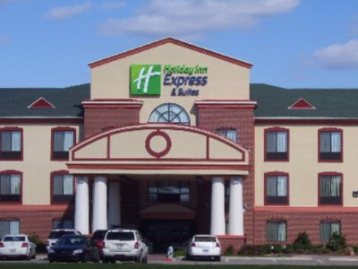 Holiday Inn Express & Suites Burleson / ft. Worth 1 of 9