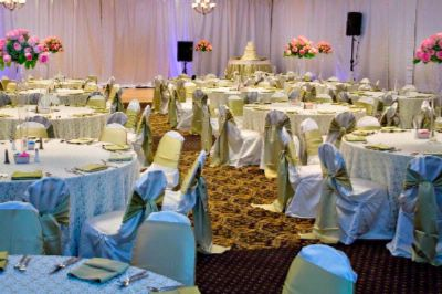 Weddings Bring People Together. Hilton Garden Inn Will Take Care Of Them. 13 of 19