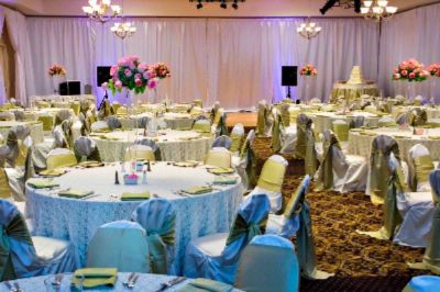 Weddings Bring People Together. Hilton Garden Inn Will Take Care Of Them. 14 of 19