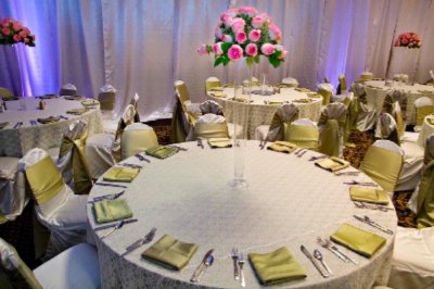 Weddings Bring People Together. Hilton Garden Inn Will Take Care Of Them. 15 of 19