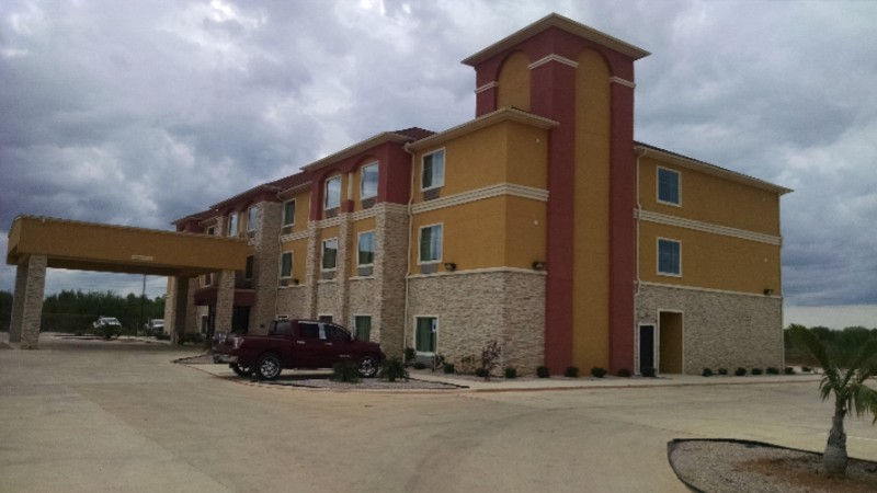 Residency Suites -Cotulla Tx 2 of 11