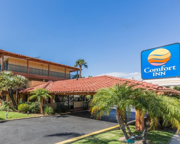 Comfort Inn Woodland Hills 1 of 18