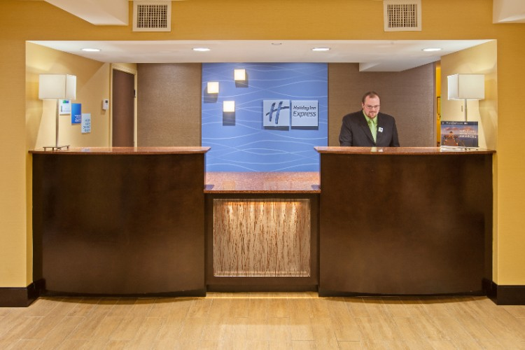 Front Desk At The Holiday Inn Express Of Bowling Green 7 of 13