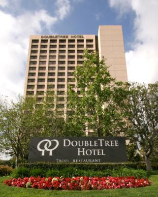 Doubletree by Hilton Anaheim / Orange County 1 of 11