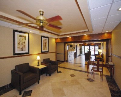 Comfort Inn & Suites at Robins Afb 1 of 7