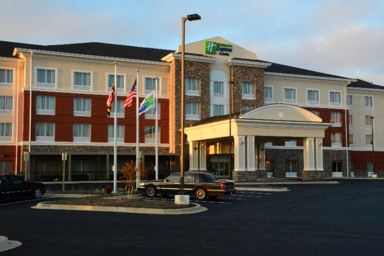 Holiday Inn Express Suites Lexington Park Califo 45260 Abell House Lane California Md 20619
