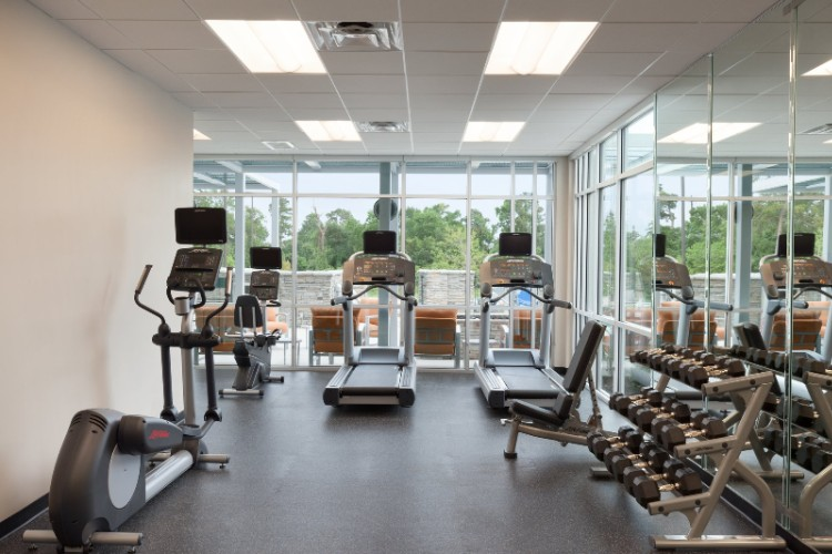 24 Hour Fitness Room 13 of 19