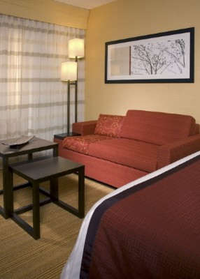 Courtyard by Marriott Newport News Airport 1 of 3