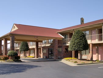 Red Roof Inn & Suites Cleveland Tn 1 of 7