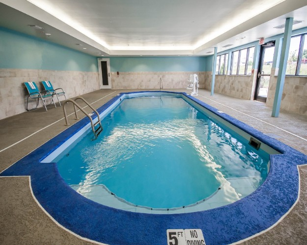 Indoor Swimming Pool 8 of 10