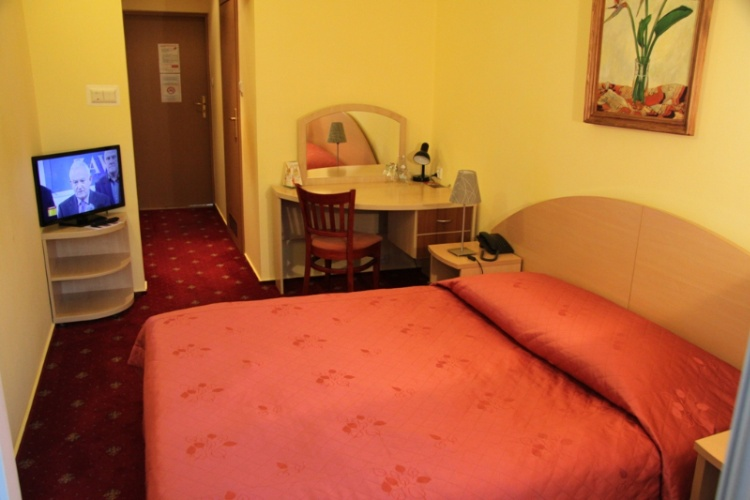 Double Room 6 of 16