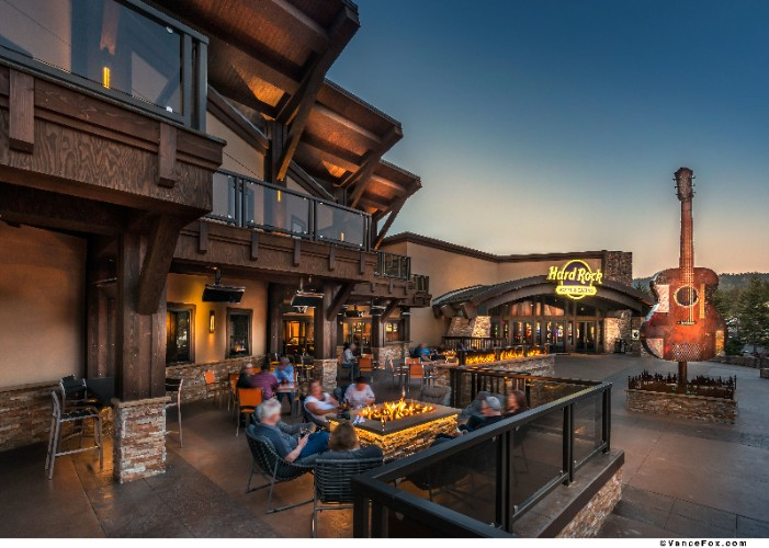 Apres Recreation On Our Year-Round Outdoor Dining 9 of 14