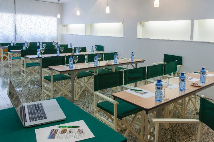 Meeting Space At Agora Center 350 Mts From Hotel 13 of 21